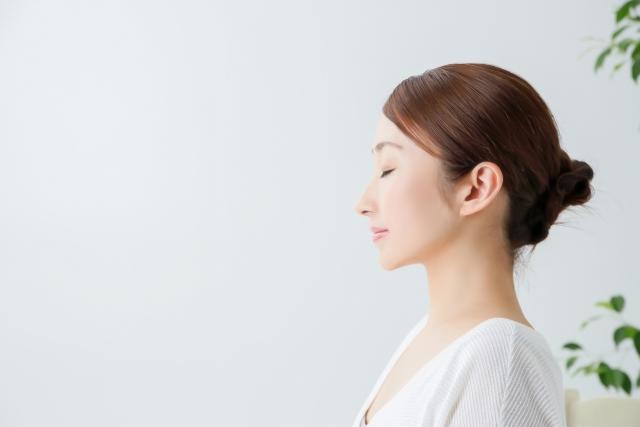 松山で耳つぼの施術を提供!カウンセリングは無料の【Happiers】